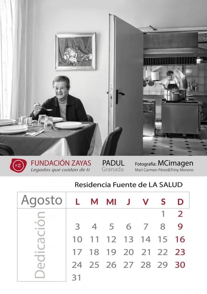 La palabra que ilustra el calendario en agosto es DEDICACIÓN.